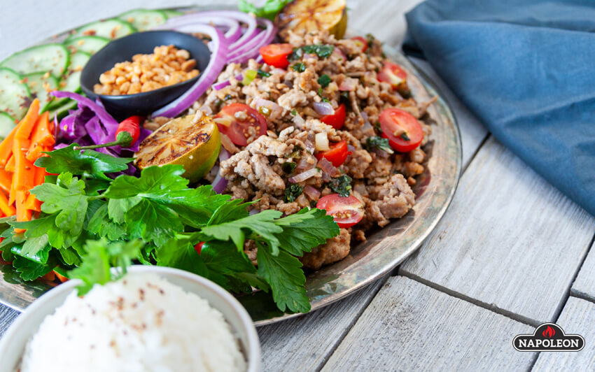You can also serve Larb with steamed rice