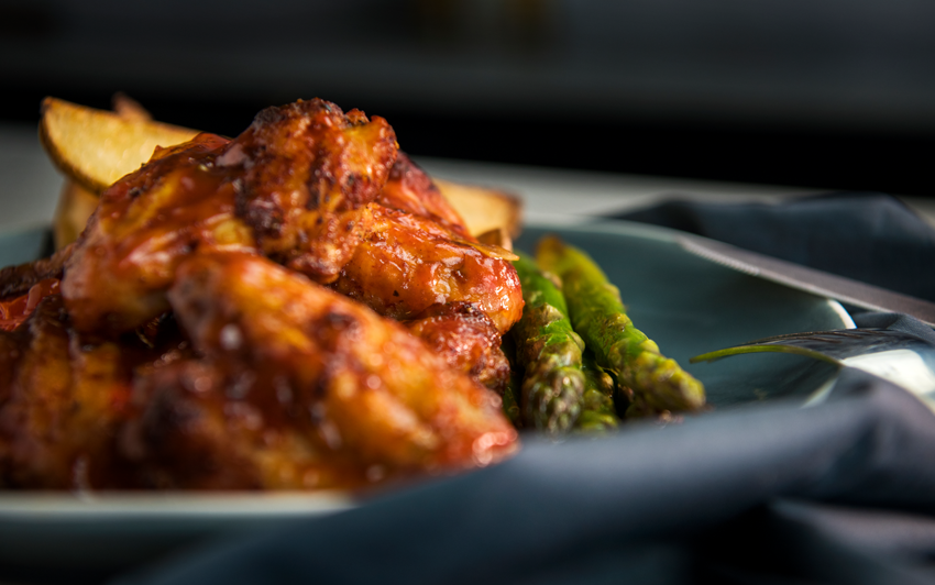 RecipeBlog-HDRogue-Bourbon Smoked Wings-serve2