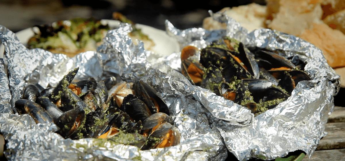 Creamy Pesto Mussels Recipe | Napoleon