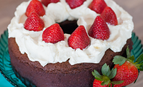Feature - Kahlua Chocolate Cake with Strawberries & Cream